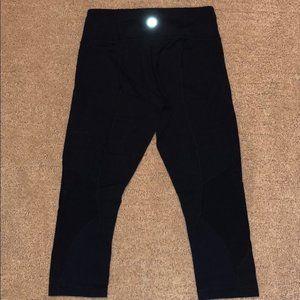 lululemon athletica Pants - Lululemon Black Capri Leggings with Mesh Size 8